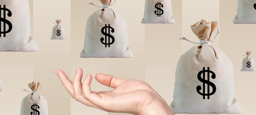 الرواتب في كندا