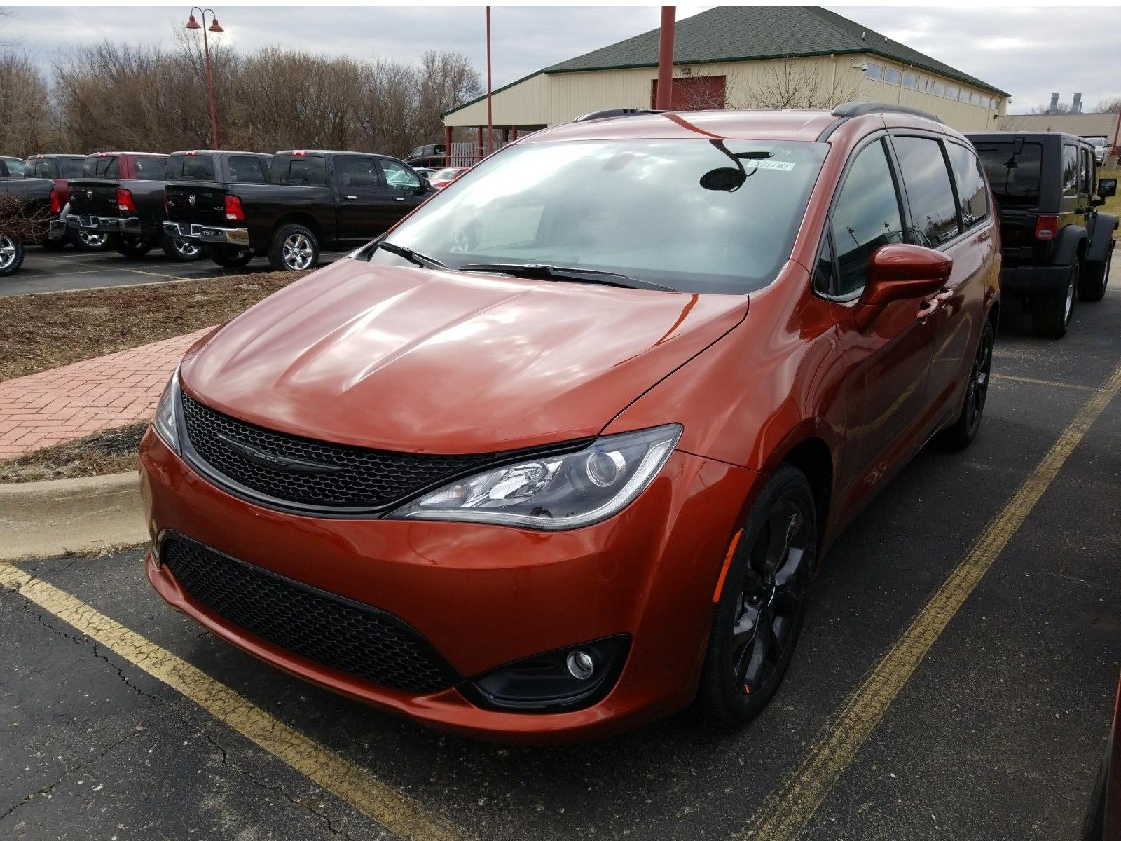 دليلك الشامل لشراء سيارة مستعملة في كندا