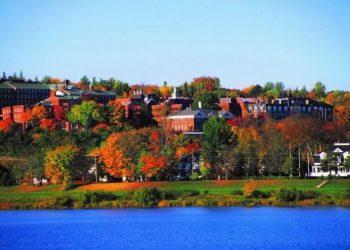 المدن الصغيرة في كندا