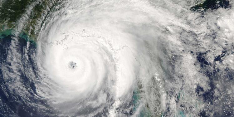 مركز الإعصار الكندي يحذر الناس من موسم الأعاصير هذا العام