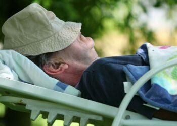 دراسة: قيلولة بعد الظهر تُحسّن القدرات المعرفية لكبار السن