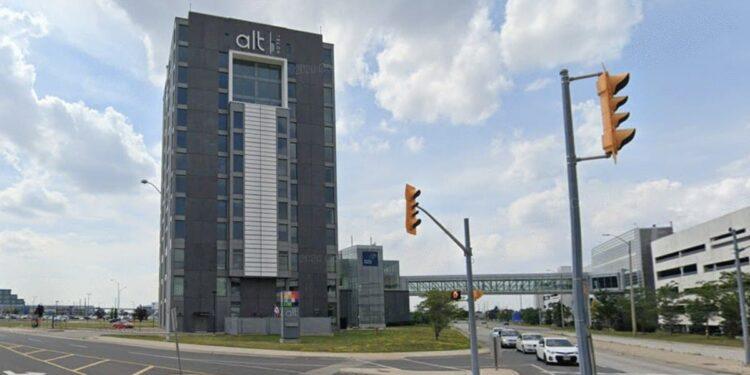 فنادق الحجر الصحي في تورونتو تحدد تكاليف الإقامة في الليلة الواحدة للمسافرين