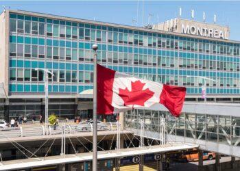 تمديد قيود السفر الحالية في كندا حتى 21 مايو