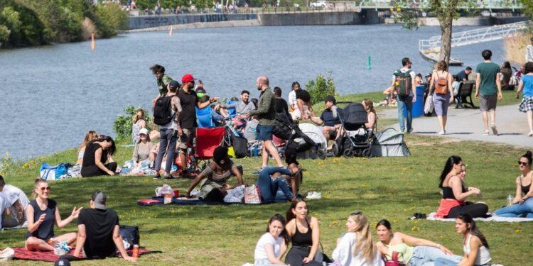 كيبيك تسجل أقل من 200 إصابة بكورونا لليوم الخامس على التوالي