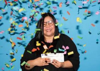 امرأة من مونتريال تفوز ب10 مليون دولار في اليانصيب بعد 16 عشر عاماً من اللعب بنفس الأرقام
