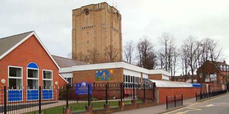 تفشي فيروس كورونا في مدرسة ابتدائية في إنجلترا